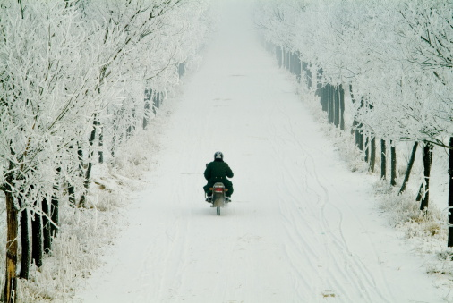 Tips_Proper_Motorcycle_Storage_Winter_Cook_Portable_Warehouses