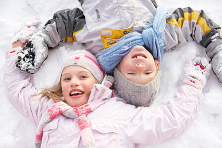 Six_Ways_Get_Kids_Outside_Winter_Cook_Portable_Warehouses