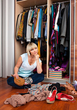 free_up_closet_space_switching_out_last_season's_wardrobe_Cook_Portable_Warehouses