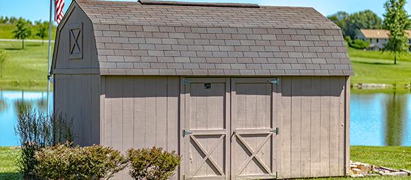 Lofted-Barn-In-backyard-1