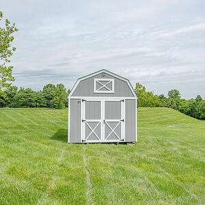 Lofted-barn in yard