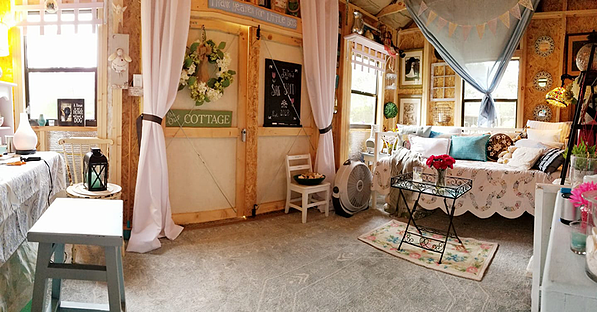 panoramic-shot-of-the-inside--WEB