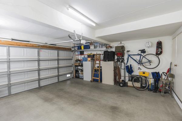 clean-garage-AdobeStock_208180949