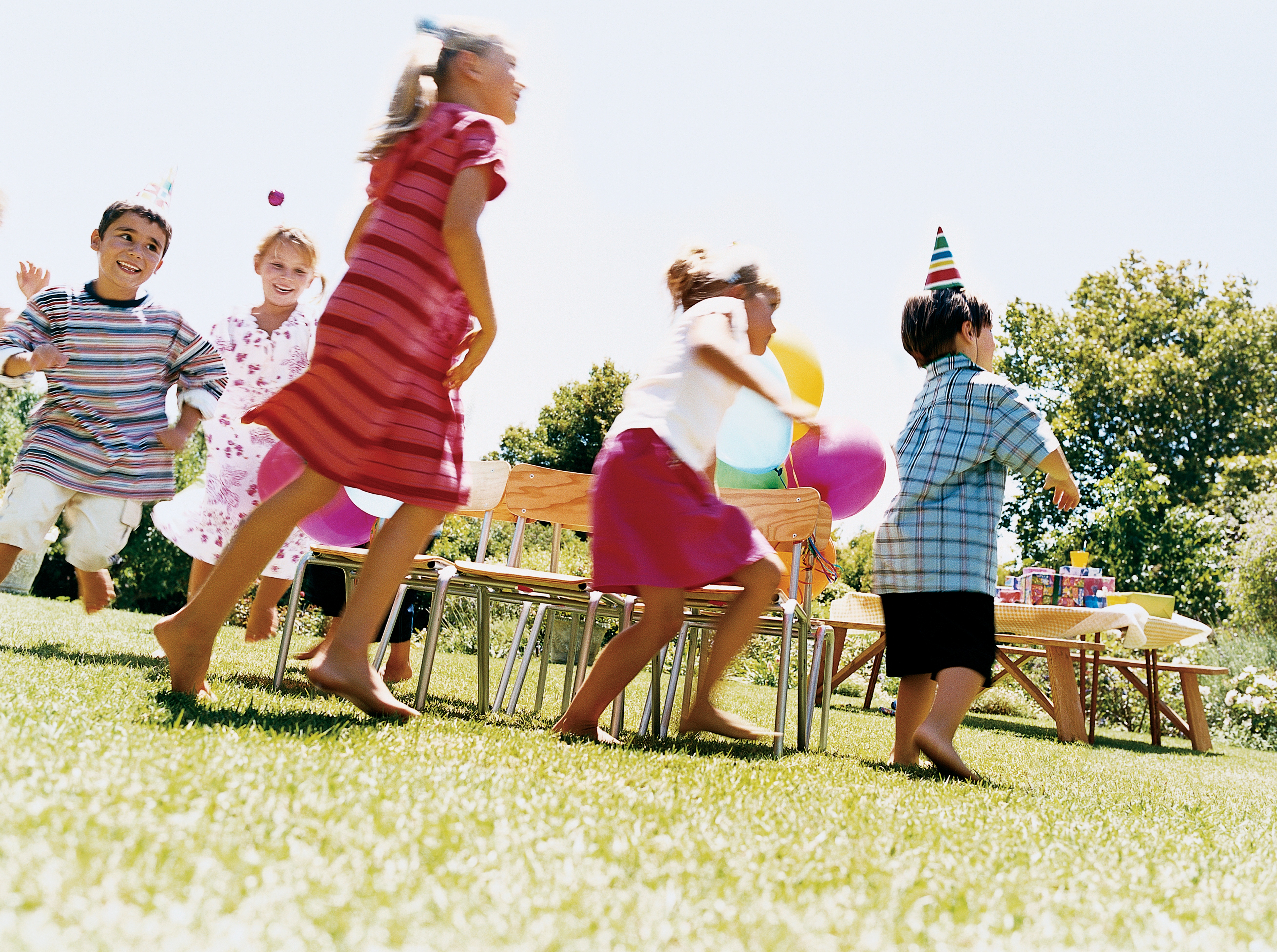 Creative Ideas for Summertime Kids' Parties + Cook Portable Warehouses
