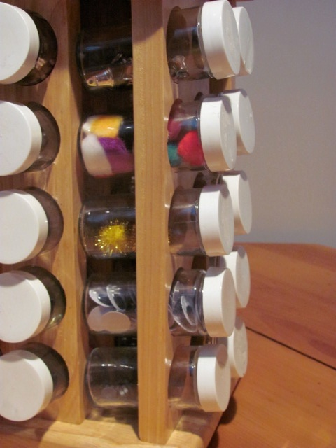 Craft Spice Rack from Mommymoment.ca